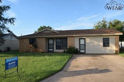 Iowa Park Single Family Home For Sale: 911 W Louisa Avenue