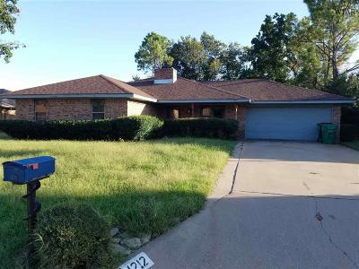 Burkburnett Single Family Home For Sale: 1212 Amherst Street