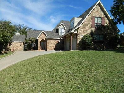 Wichita County Single Family Home Active-Contingency: 1803 Tanglewood Drive