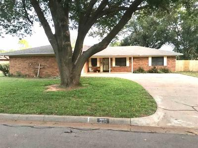 Burkburnett Single Family Home For Sale: 905 Kiowa Drive
