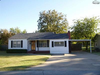 Burkburnett Single Family Home For Sale: 712 Meadow Drive