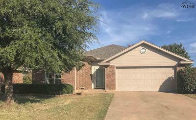 Iowa Park Single Family Home Active W/Option Contract: 516 Callie Lane