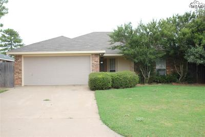 Burkburnett Single Family Home For Sale: 1203 Lisa Lane