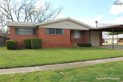 Burkburnett Single Family Home For Sale: 802 Chestnut Street