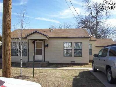 Burkburnett Single Family Home For Sale: 520 Harwell Street