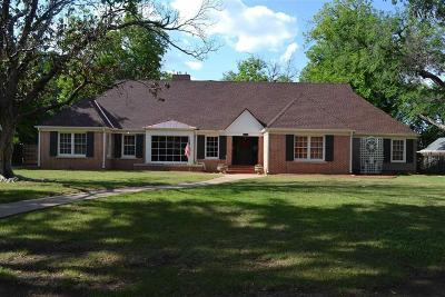 Wichita Falls Single Family Home Active W/Option Contract: 2306 Ellingham Drive