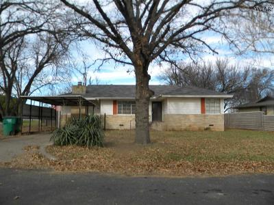 Burkburnett Single Family Home For Sale: 101 Linden Street