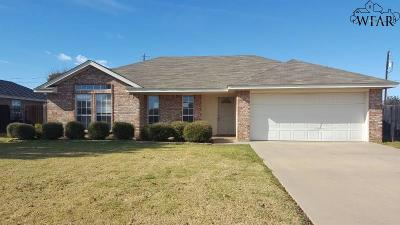 Burkburnett Single Family Home For Sale: 121 Stonebridge Street