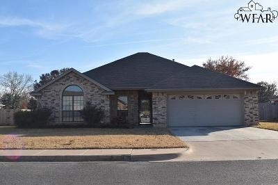 Iowa Park Single Family Home For Sale: 9 Park Place Circle