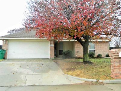 Burkburnett Single Family Home For Sale: 125 Garrett Street