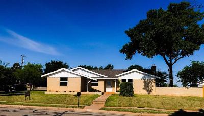 Wichita Falls Single Family Home For Sale: 1720 Ridgemont Drive