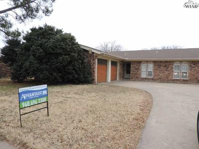 Wichita Falls Single Family Home For Sale: 2307 Tinker Trail