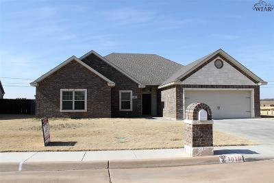 Burkburnett Single Family Home For Sale: 1010 Taylor Lane