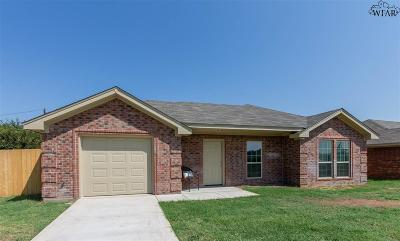 Iowa Park TX Single Family Home For Sale: $122,500