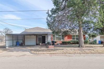 Archer City Single Family Home For Sale: 610 S Oak Street