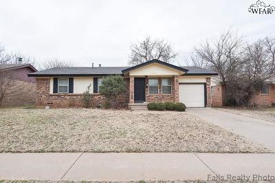 Wichita Falls Single Family Home For Sale: 4648 Briarwood Drive