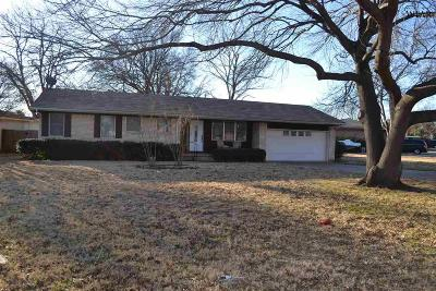 Wichita Falls Single Family Home Active W/Option Contract: 4641 Brookdale Drive