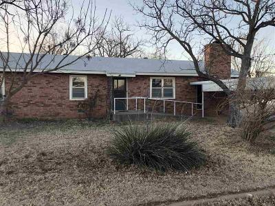 Archer City Single Family Home For Sale: 505 S Sycamore Street