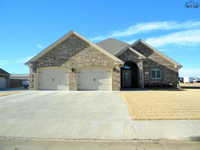Burkburnett Single Family Home For Sale: 816 Coulter Drive