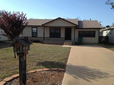Iowa Park Single Family Home For Sale: 517 W Aldine Street