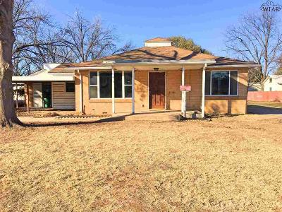Burkburnett Single Family Home For Sale: 713 Sycamore Drive