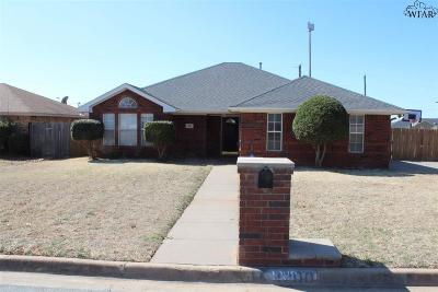 Burkburnett Single Family Home For Sale: 1200 Lisa Lane