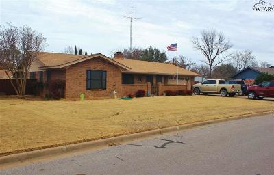 Burkburnett Single Family Home For Sale: 1026 Jan Lee Drive