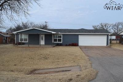 Iowa Park Single Family Home For Sale: 664 S Bell Road