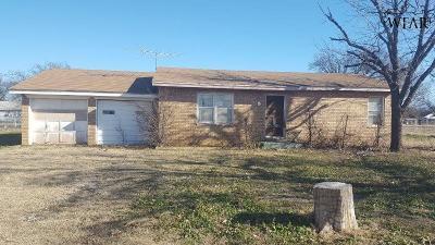 Archer City Single Family Home For Sale: 212 N Poplar Street