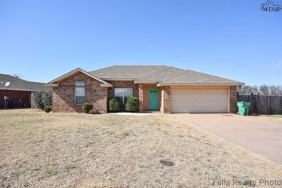 Burkburnett Single Family Home For Sale: 103 Garrett Street