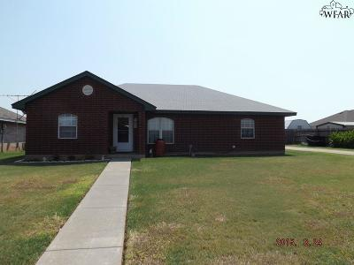 Henrietta Single Family Home Active W/Option Contract: 1405 Tumbleweed Trail