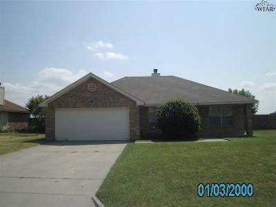 Burkburnett Single Family Home For Sale: 974 Victoria Drive