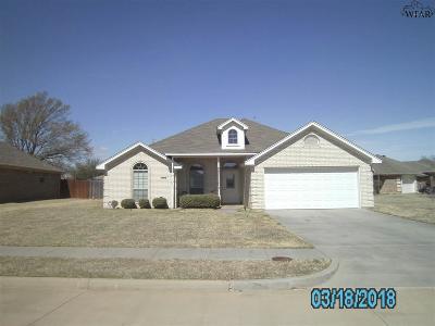 Wichita Falls Single Family Home For Sale: 2104 E Hunters Glen