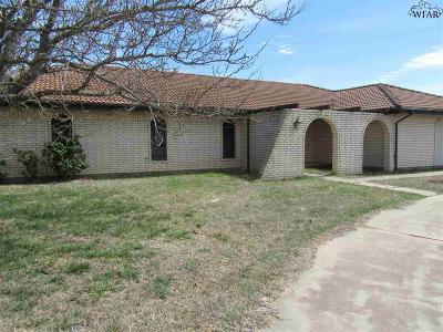 Wichita Falls Single Family Home For Sale: 7872 Carriage Lane