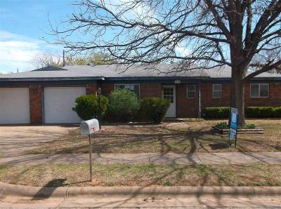 Wichita Falls Single Family Home For Sale: 1121 Rosemary Drive