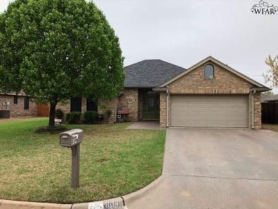 Burkburnett Single Family Home For Sale: 804 Sugarbush Lane