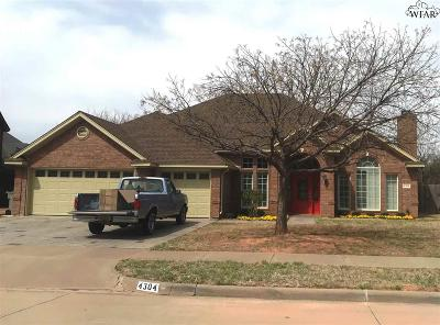Wichita Falls Single Family Home Active W/Option Contract: 4304 Canyon Trails Drive