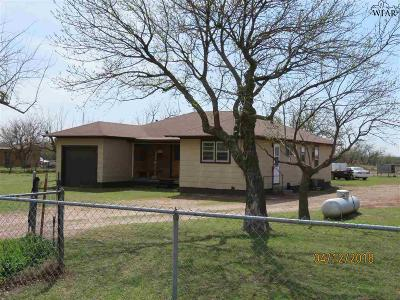 Wichita County Single Family Home Active W/Option Contract: 606 Huntington Lane