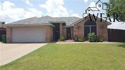 Burkburnett Single Family Home For Sale: 129 Stonebridge Street