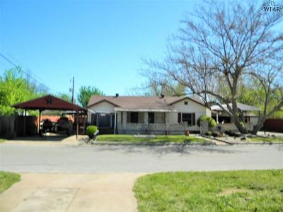 Burkburnett Single Family Home For Sale: 132 Lilac Street