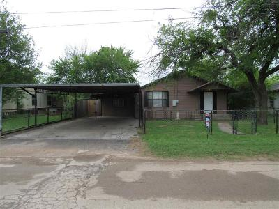 Single Family Home For Sale: 210 W Cherry Street