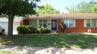 Burkburnett Single Family Home For Sale: 303 Mistletoe Drive