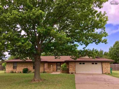 Burkburnett Single Family Home For Sale: 1422 Chaparral Road