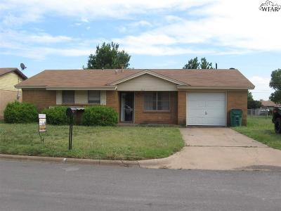 Iowa Park Single Family Home For Sale: 607 W Rebecca Avenue
