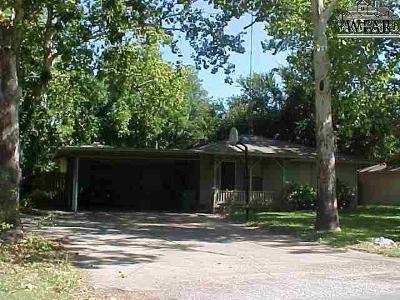Burkburnett Single Family Home For Sale: 703 Meadow Drive
