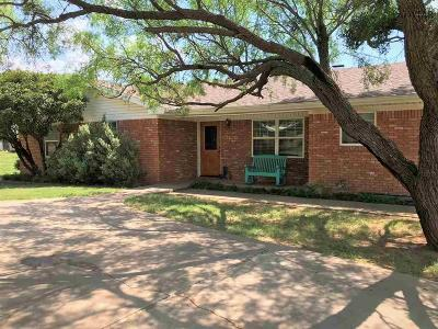 Single Family Home For Sale: 902 S Oak Street