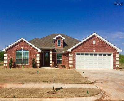 Archer County, Baylor County, Clay County, Jack County, Throckmorton County, Wichita County, Wise County Single Family Home For Sale: 5012 Blue Mesa Lane