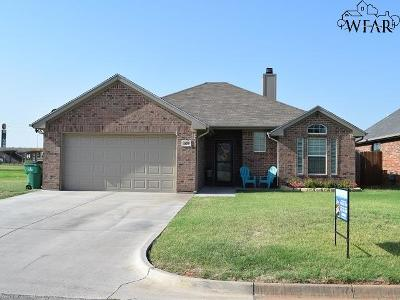Iowa Park Single Family Home Active W/Option Contract: 509 Callie Lane