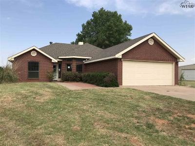 Burkburnett Single Family Home For Sale: 14 Carnes Road