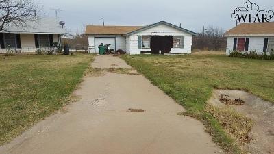 Wichita County Single Family Home For Sale: 417 E Ida Avenue